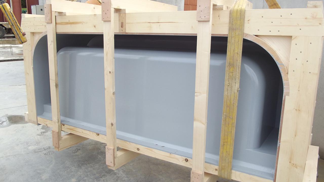 Extension du centre équestre – Réalisation d'un moule en bois pour réalisation d'auges en béton préfabriquées